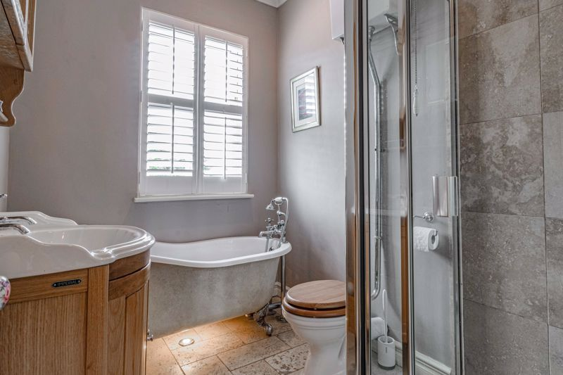 3 bed house for sale in The Crescent  - Property Image 11