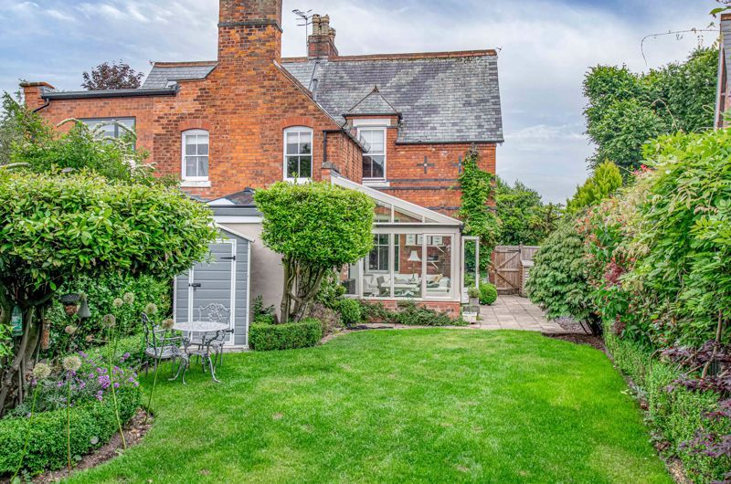 3 bed house for sale in The Crescent 13