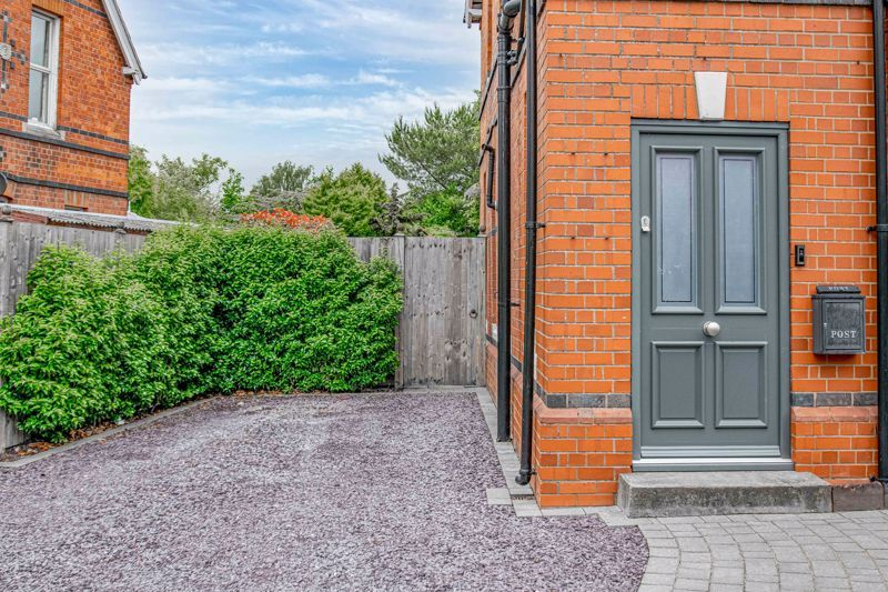 3 bed house for sale in The Crescent  - Property Image 16