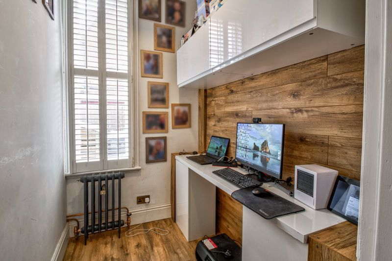 3 bed house for sale in The Crescent 18