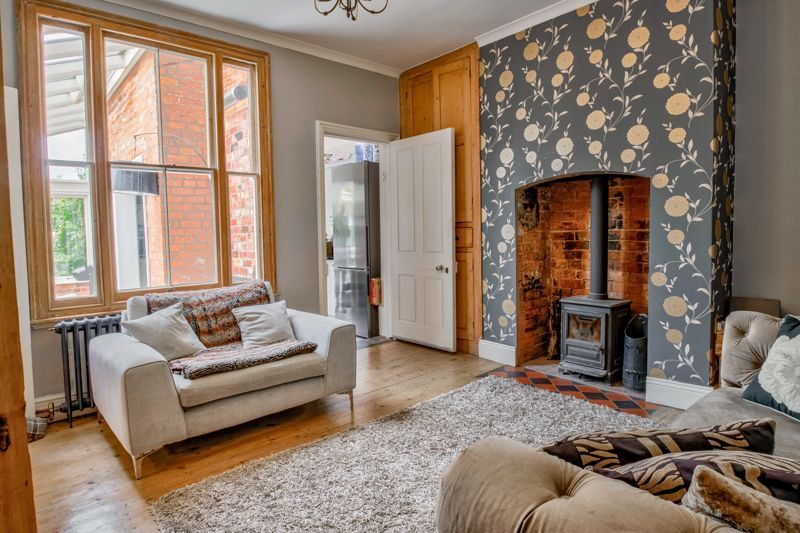 3 bed house for sale in The Crescent 3