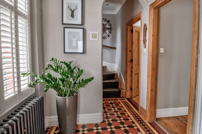 3 bed house for sale in The Crescent 6