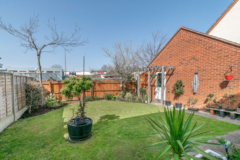 3 bed house for sale in Corelli Close 11
