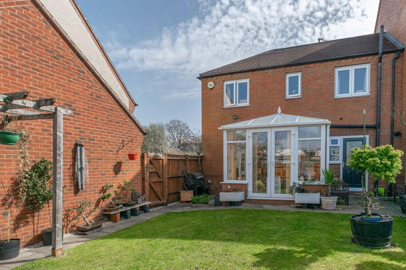 3 bed house for sale in Corelli Close 12