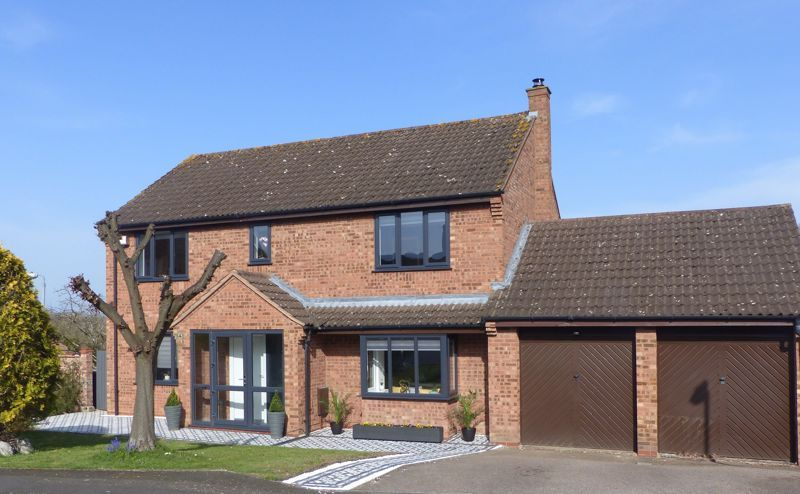 4 bed house for sale in Towbury Close - Property Image 1