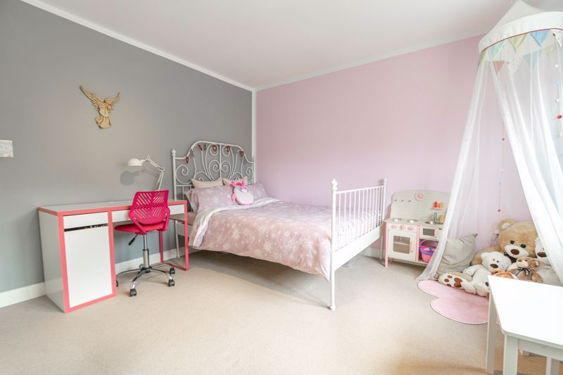 4 bed house for sale in Towbury Close 15