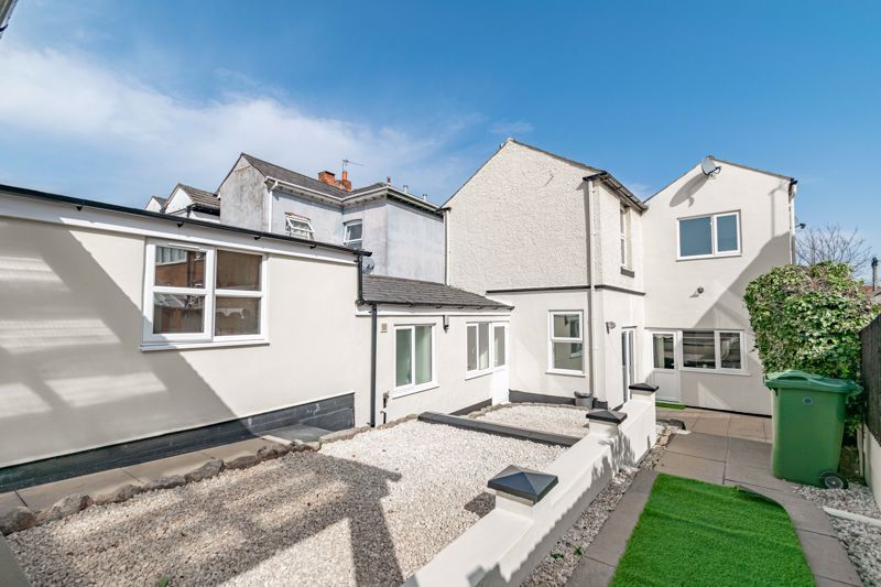 5 bed house for sale in Stourbridge Road 12