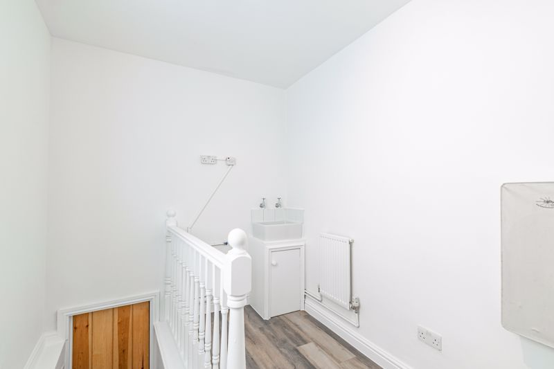 5 bed house for sale in Stourbridge Road 18
