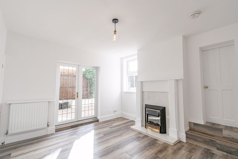 5 bed house for sale in Stourbridge Road 5