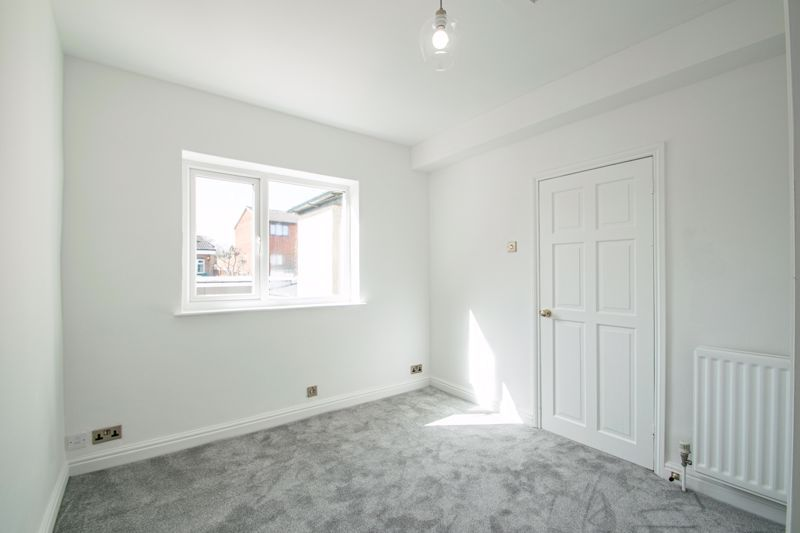 5 bed house for sale in Stourbridge Road 8