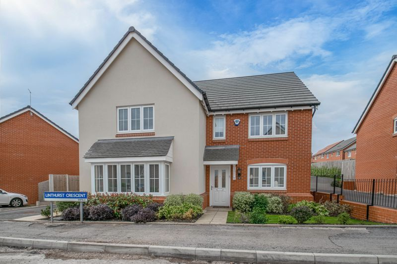 5 bed house for sale in Linthurst Crescent - Property Image 1