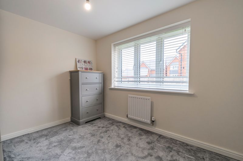 5 bed house for sale in Linthurst Crescent 11
