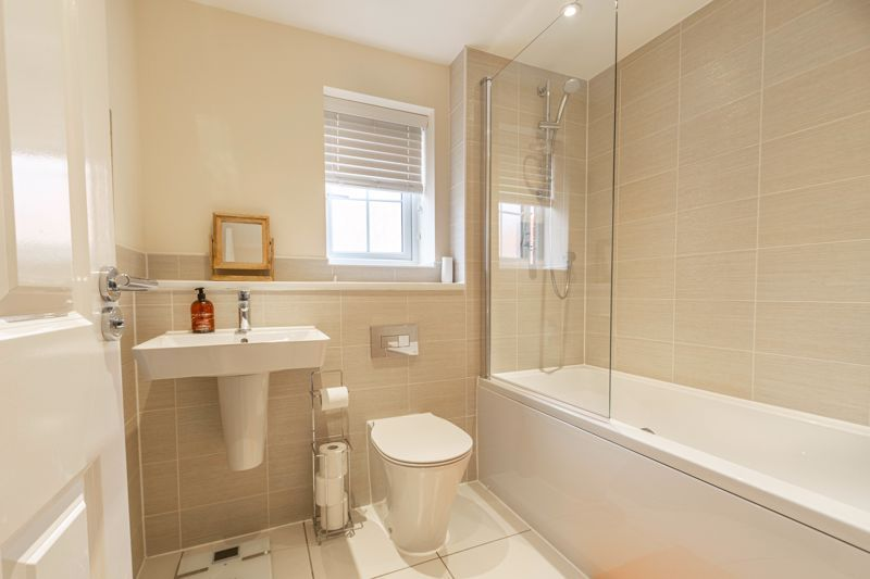 5 bed house for sale in Linthurst Crescent  - Property Image 12