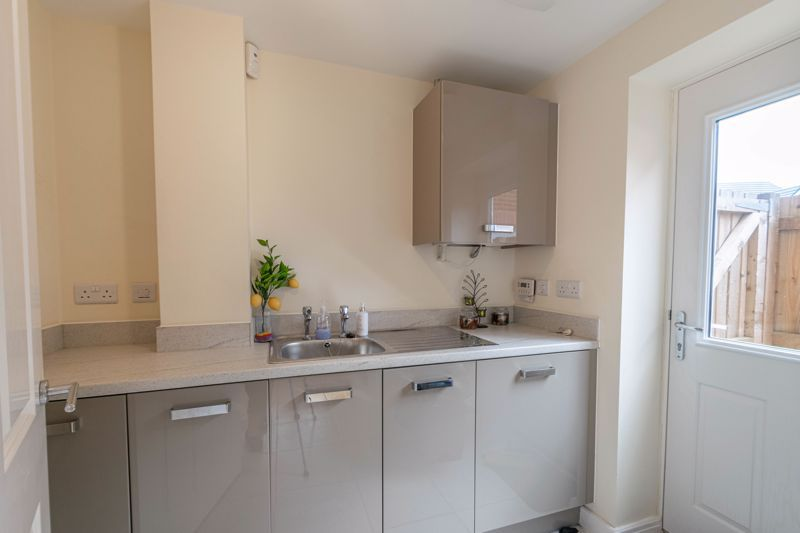 5 bed house for sale in Linthurst Crescent 15