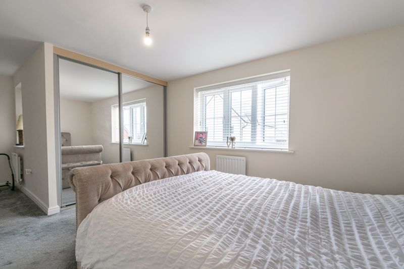 5 bed house for sale in Linthurst Crescent  - Property Image 17