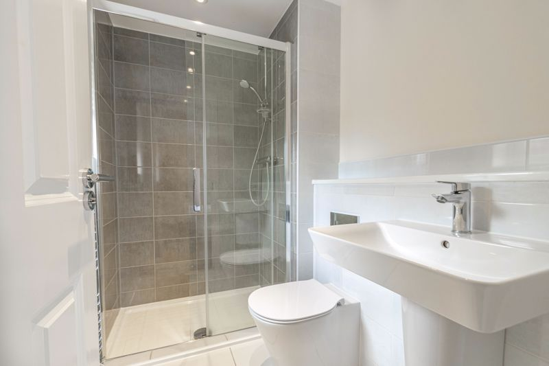 5 bed house for sale in Linthurst Crescent 7