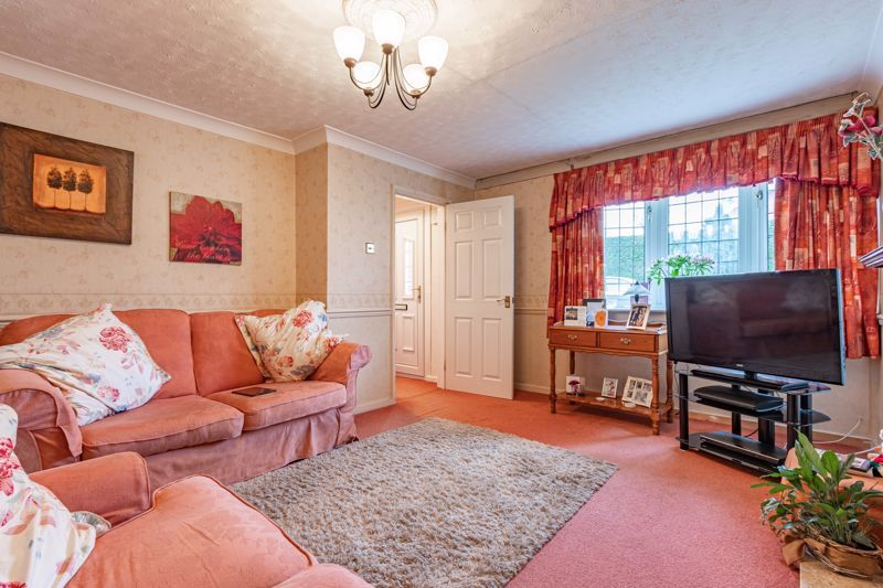 3 bed house for sale in Orwell Close 2