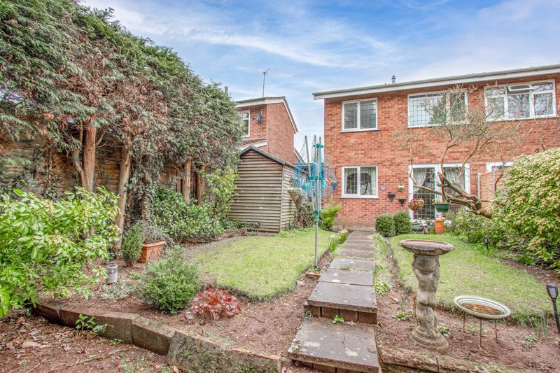 3 bed house for sale in Orwell Close 12