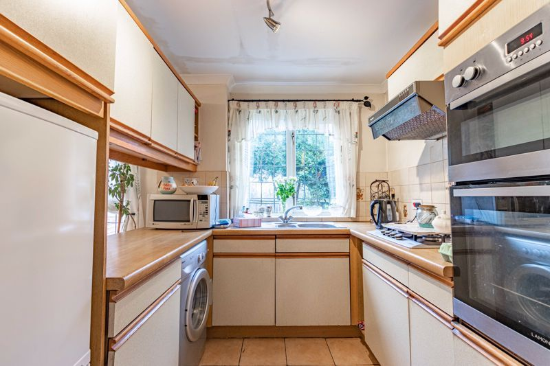 3 bed house for sale in Orwell Close 4