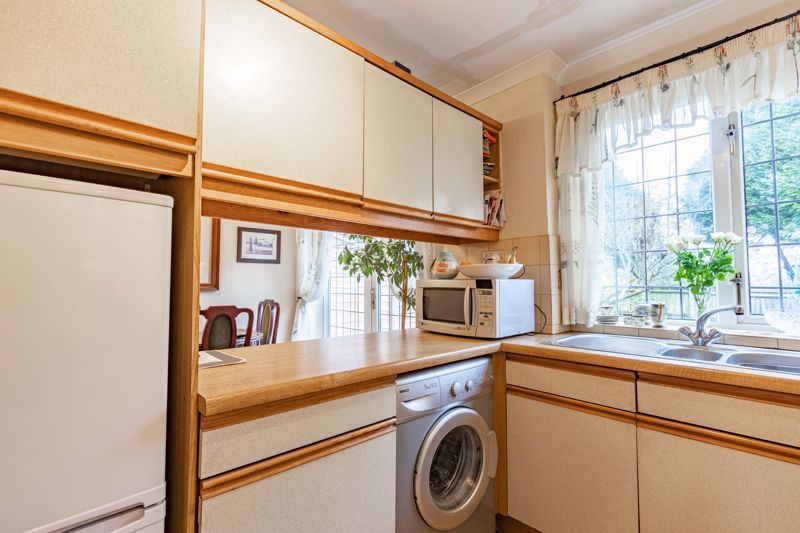 3 bed house for sale in Orwell Close 5