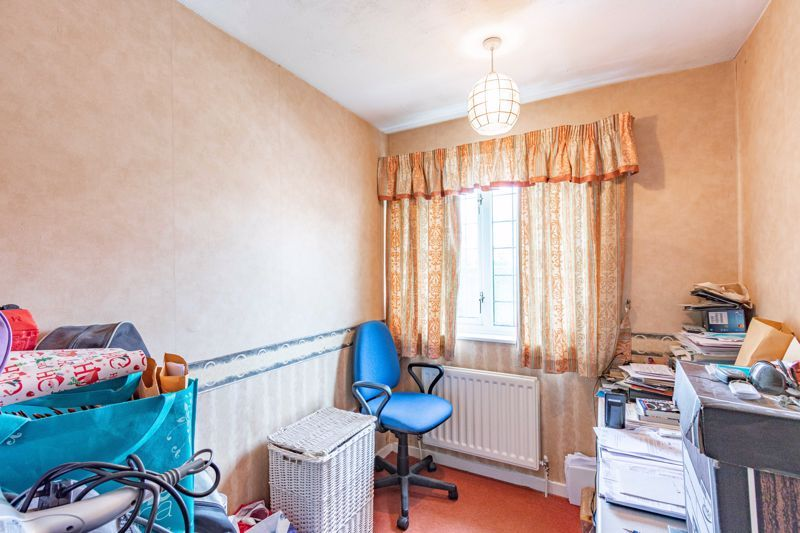 3 bed house for sale in Orwell Close 9