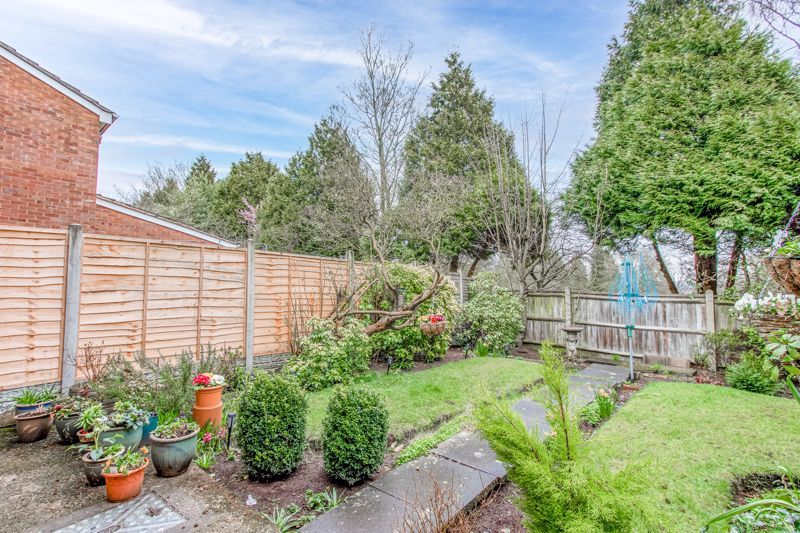 3 bed house for sale in Orwell Close 10