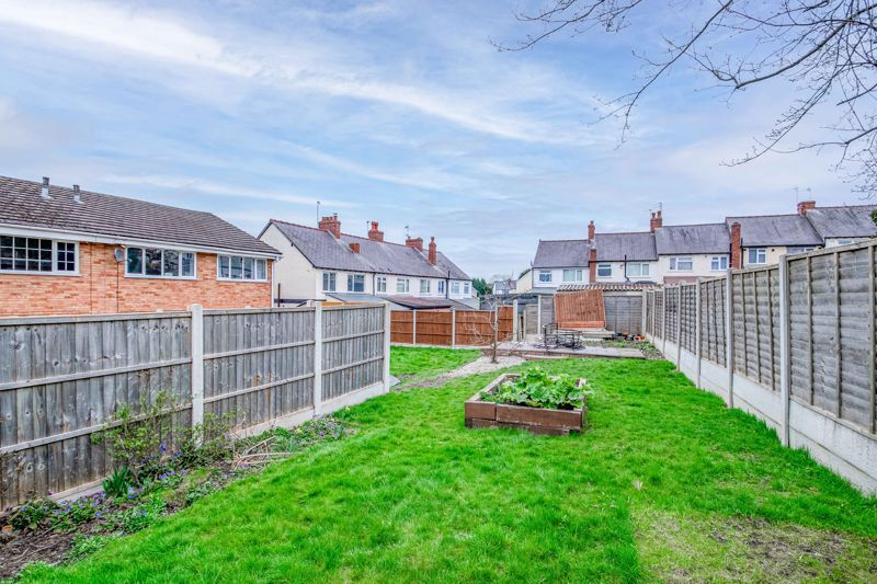 4 bed house for sale in Sunbury Road 12