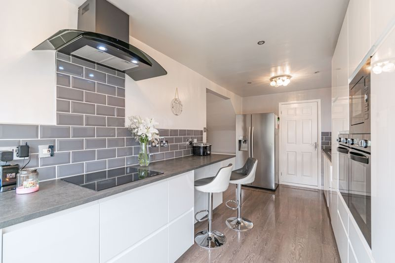 4 bed house for sale in Sunbury Road 15