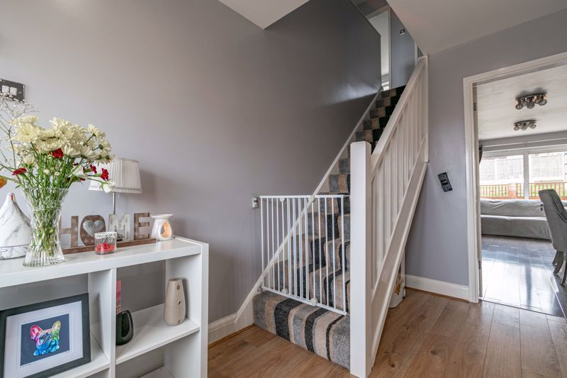 4 bed house for sale in Sunbury Road 16