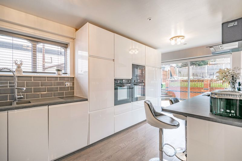 4 bed house for sale in Sunbury Road 17