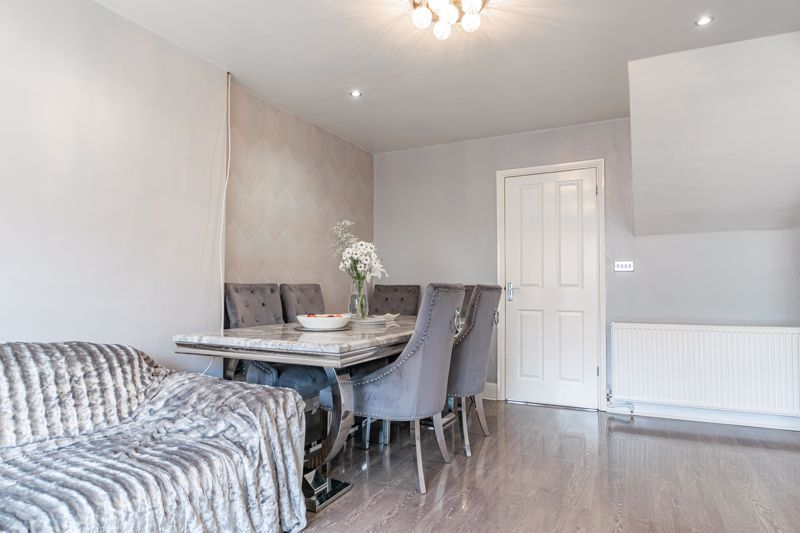 4 bed house for sale in Sunbury Road 4