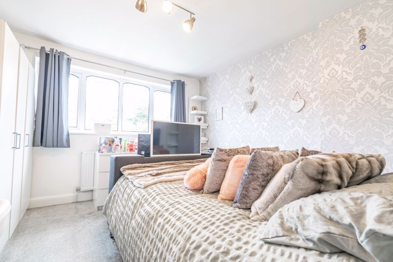 4 bed house for sale in Sunbury Road 6