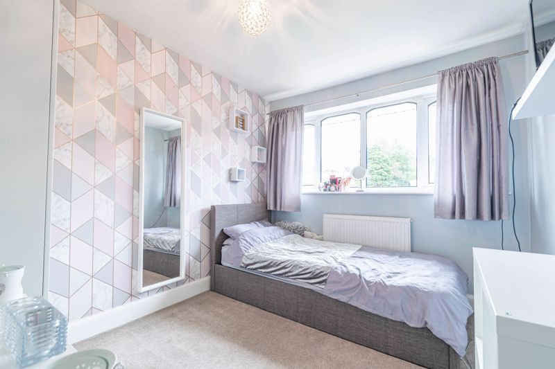4 bed house for sale in Sunbury Road 7