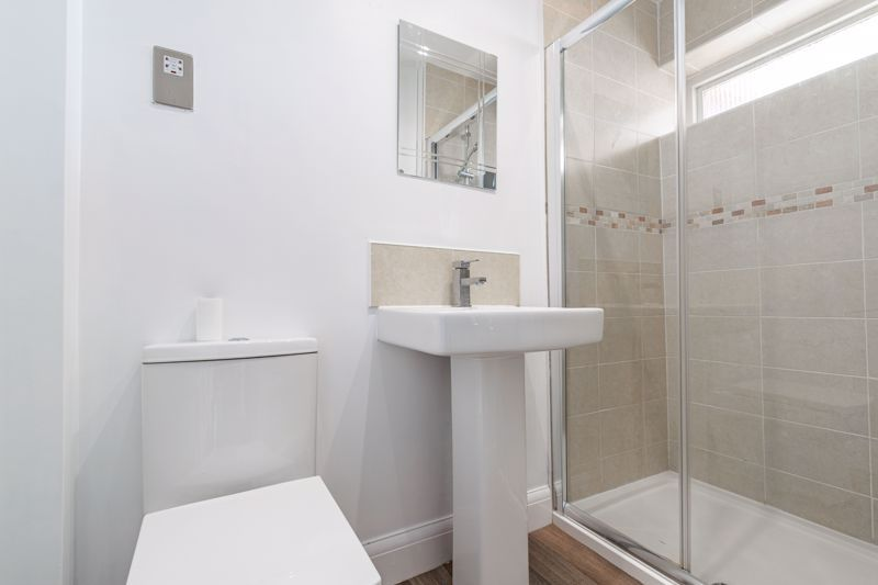 4 bed house for sale in Sunbury Road 10
