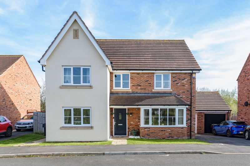 5 bed house for sale in Kingcup Close  - Property Image 1