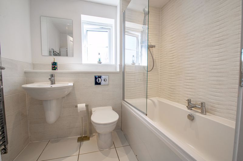 5 bed house for sale in Kingcup Close  - Property Image 20