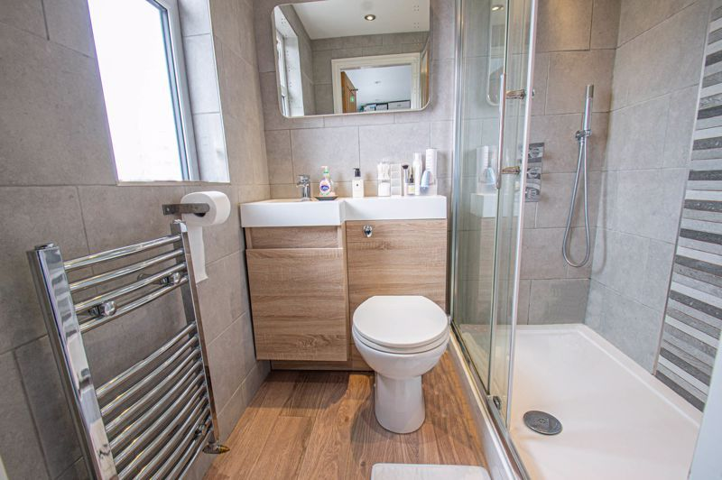 4 bed house for sale in Warwick Road  - Property Image 12