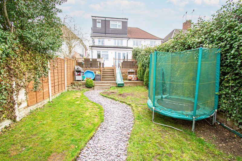 4 bed house for sale in Warwick Road  - Property Image 13