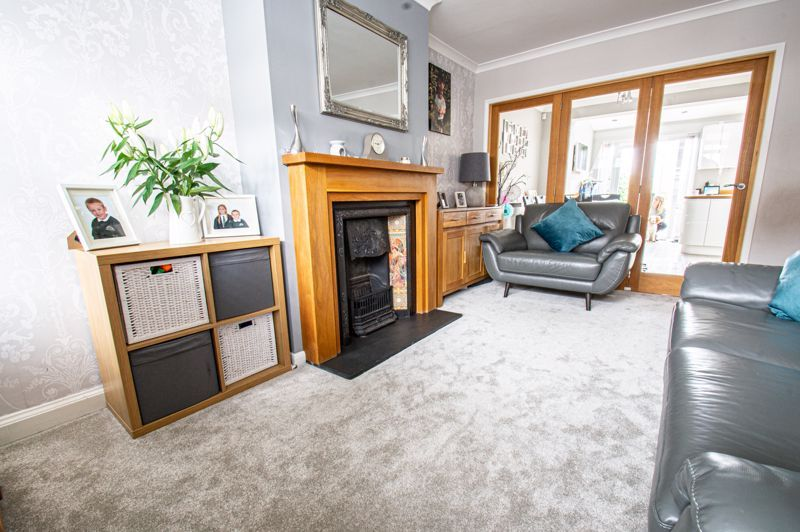 4 bed house for sale in Warwick Road 15