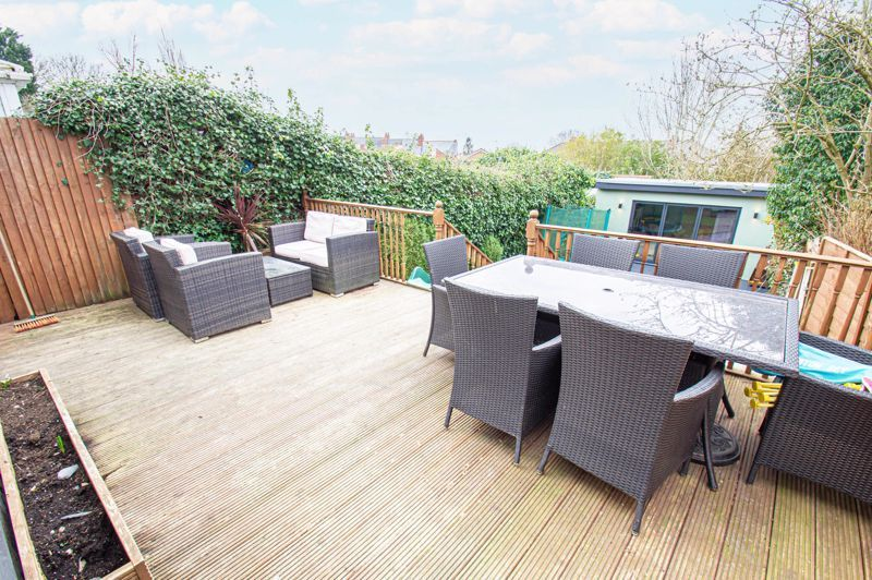 4 bed house for sale in Warwick Road  - Property Image 18