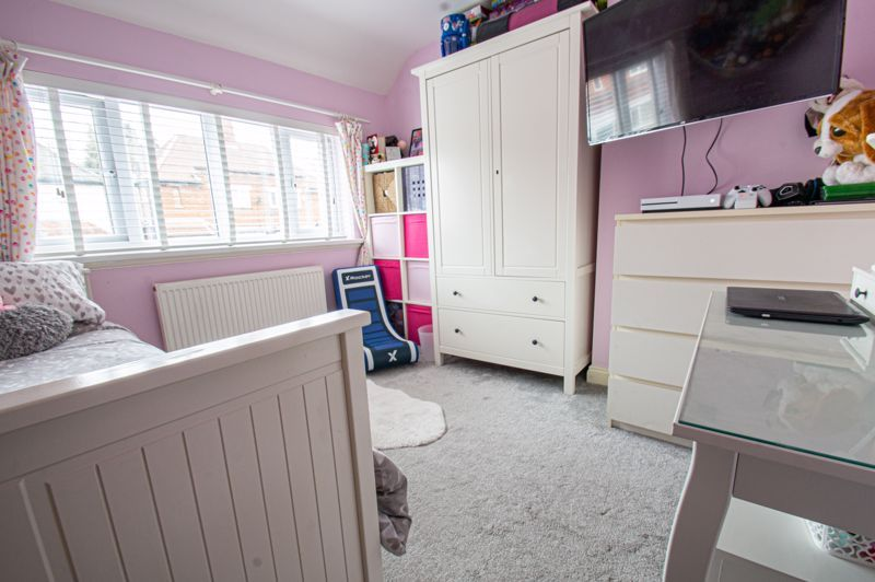 4 bed house for sale in Warwick Road  - Property Image 7
