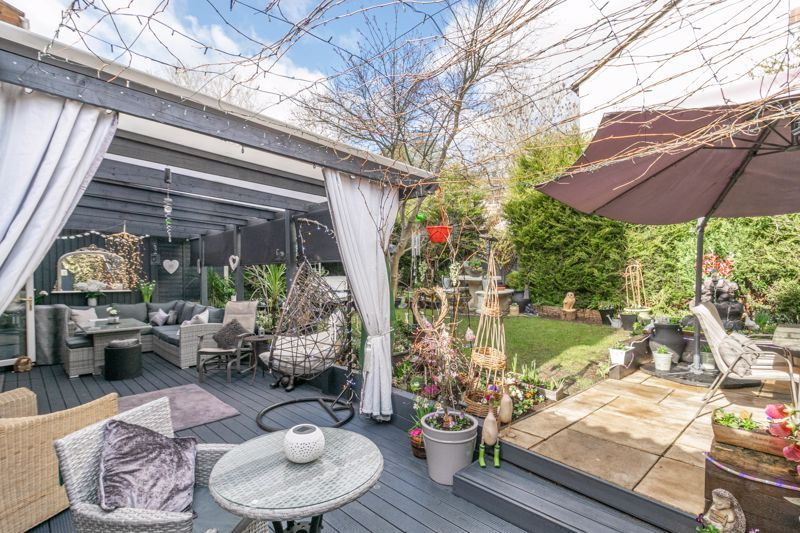 5 bed house for sale in High Trees Close  - Property Image 12