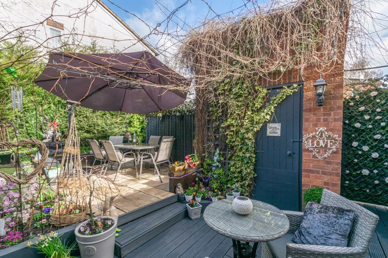 5 bed house for sale in High Trees Close  - Property Image 13