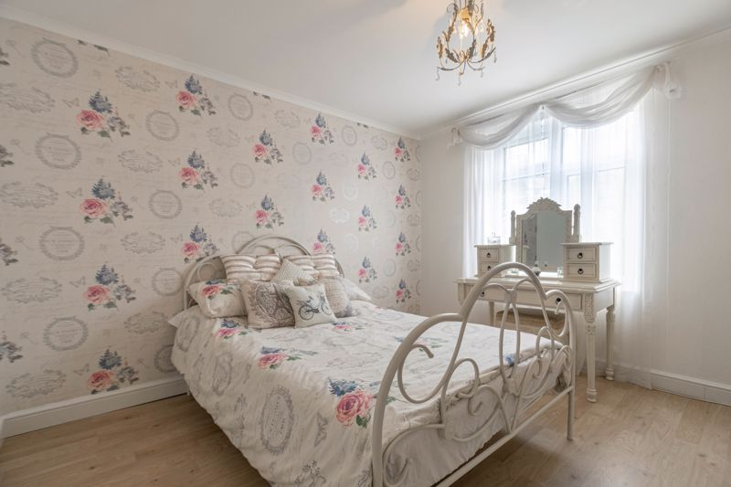 5 bed house for sale in High Trees Close  - Property Image 8