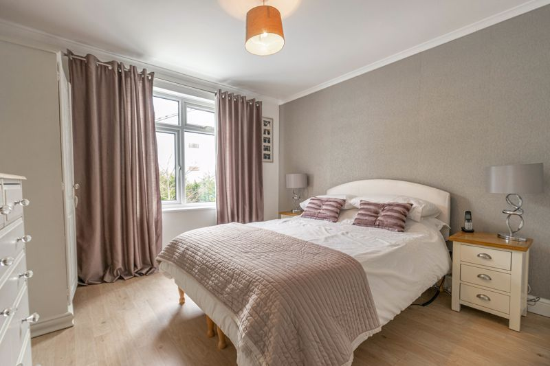 5 bed house for sale in High Trees Close  - Property Image 9