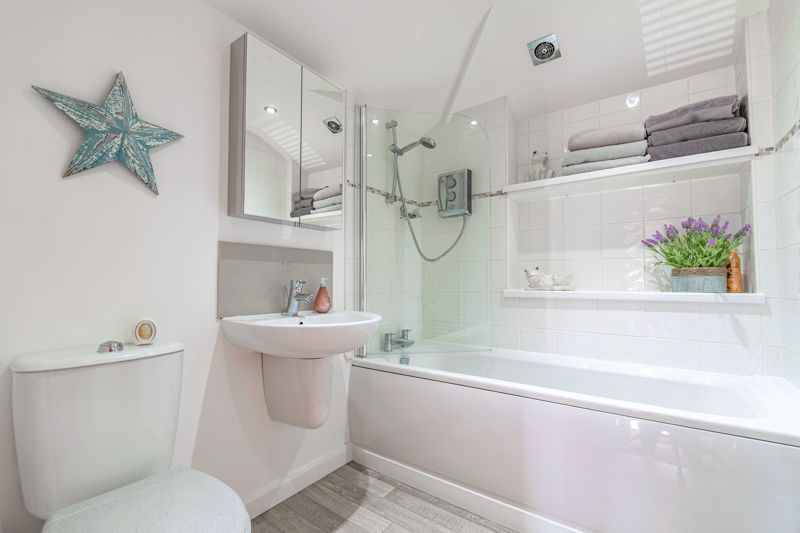 4 bed house for sale in Brockmoor Close  - Property Image 14