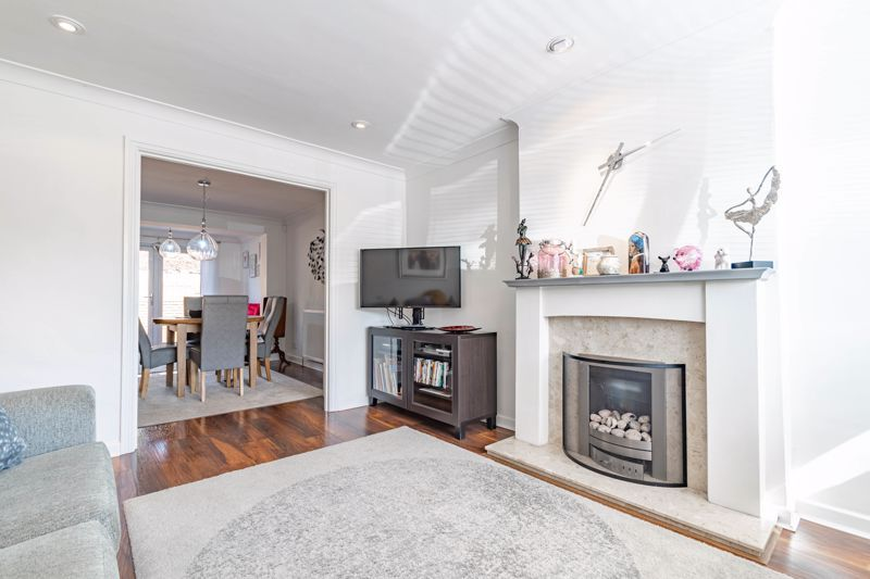 4 bed house for sale in Brockmoor Close 3