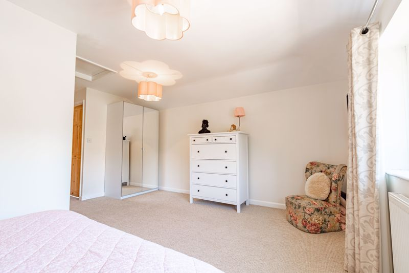 4 bed house for sale in Brockmoor Close 9