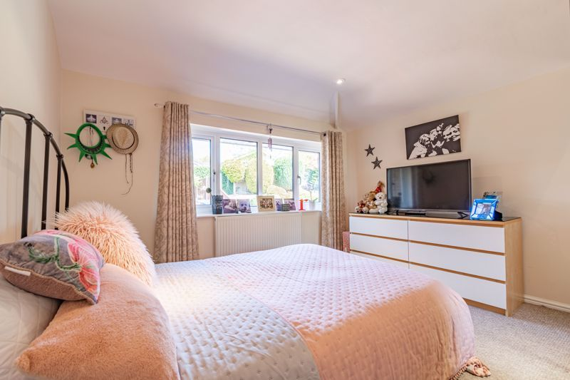 4 bed house for sale in Brockmoor Close  - Property Image 10