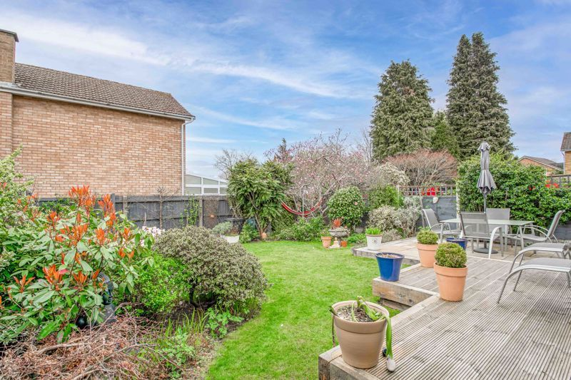 4 bed house for sale in Leavale Road  - Property Image 14